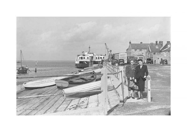 Vintage photograph Bus Yarmouth Isle Of Wight